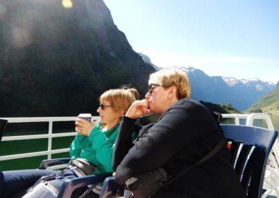 Słynne, jedzące z ręki, fjordy.