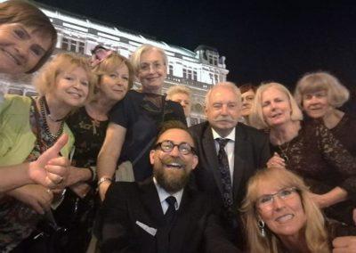 Po spektaklu przed Operą Wiedeńską